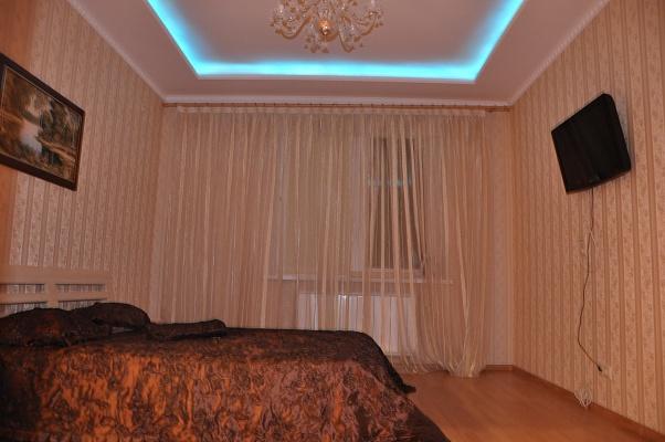 2-комнатная квартира посуточно в Киеве. Оболонский район, Оболонская Набережная, 3. Фото 1