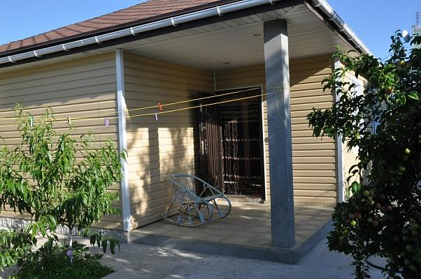 Дом  посуточно в Евпатории. ул. Южная, 22. Фото 1