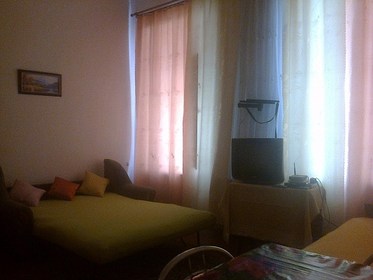 1-комнатная квартира посуточно в Виннице. Ленинский район, ул. Соборная, 54. Фото 1