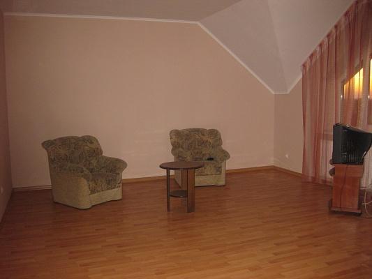 5-комнатная квартира посуточно в Мукачево. ул. Ивана Паркания, 2а. Фото 1