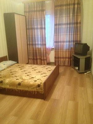 1-комнатная квартира посуточно в Киеве. Деснянский район, ул. Милославская, 2в. Фото 1