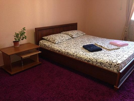 1-комнатная квартира посуточно в Киеве. Голосеевский район, ул. Сапёрно-Слободская, 8. Фото 1
