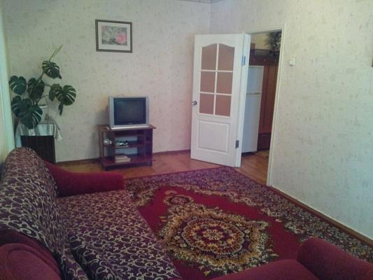 2-комнатная квартира посуточно в Сумах. Заречный район, ул. Г.Кондратьева (Кирова), 37. Фото 1