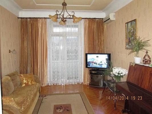 2-комнатная квартира посуточно в Бердянске. проспект Азовский, 33. Фото 1