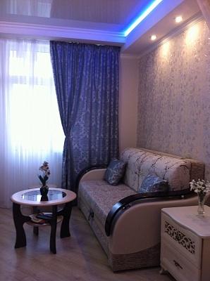 1-комнатная квартира посуточно в Севастополе. Гагаринский район, пр.Октябрьской революции, 20. Фото 1