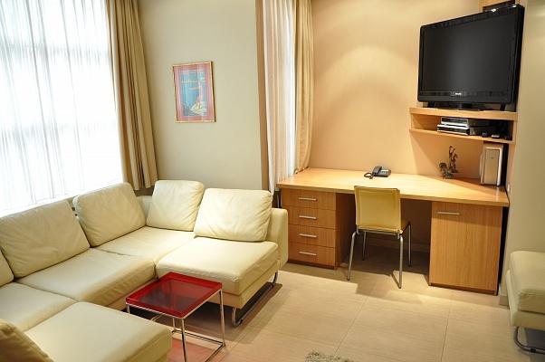1-комнатная квартира посуточно в Одессе. Приморский район, пер. Чайковский, 8. Фото 1