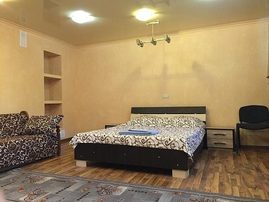 2-комнатная квартира посуточно в Сумах. Ковпаковский район, ул. Псельская, 21. Фото 1