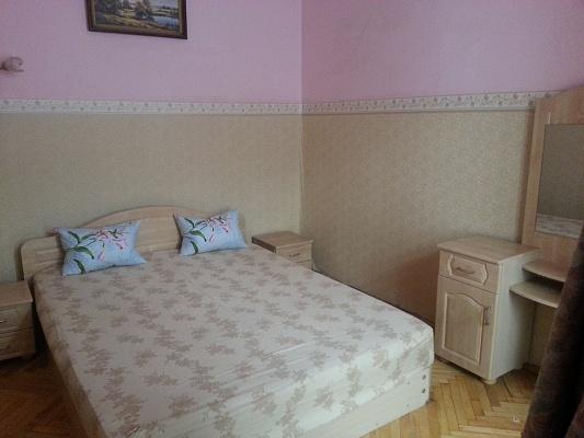 2-комнатная квартира посуточно в Львове. Галицкий район, пр-т Свободы, 25. Фото 1