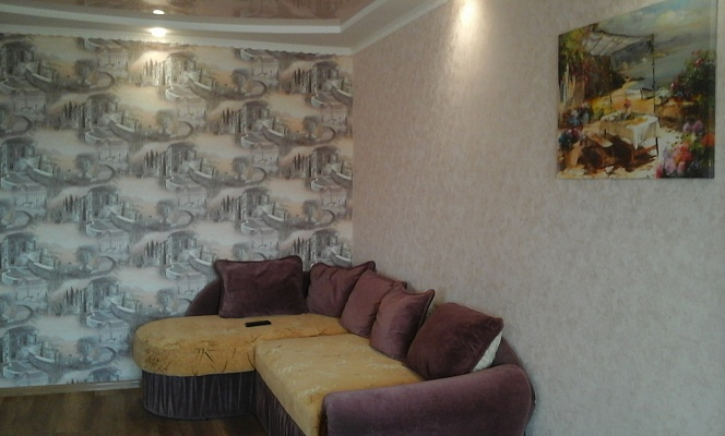 1-комнатная квартира посуточно в Бердянске. ул. Горького, 45. Фото 1