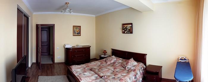 2-комнатная квартира посуточно в Поляне. ул. Курортная, 2. Фото 1