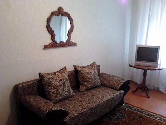 1-комнатная квартира посуточно в Керчи. ул. Орджоникидзе, 114. Фото 1