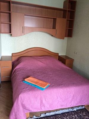 2-комнатная квартира посуточно в Запорожье. Жовтневый район, пр-т Соборный (Ленина), 97. Фото 1