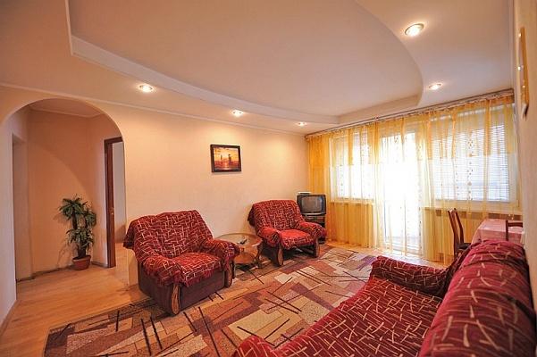 3-комнатная квартира посуточно в Киеве. Печерский район, бул. Леси Украинки , 2. Фото 1
