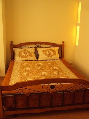 1-комнатная квартира посуточно в Алуште. ул. Багликова, 21. Фото 1