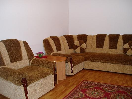 2-комнатная квартира посуточно в Одессе. Приморский район, ул. Жуковского, 23. Фото 1