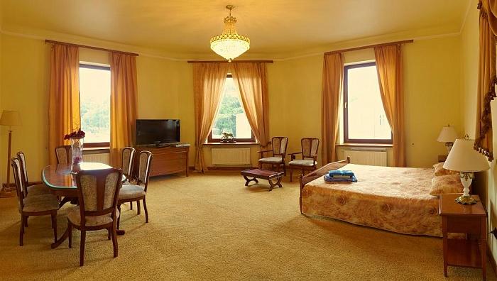 3-комнатная квартира посуточно в Львове. Галицкий район, ул. Бандеры, 9. Фото 1