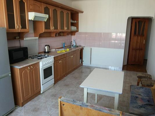 2-комнатная квартира посуточно в Ивано-Франковске. ул. Гетьмана Мазепы, 42. Фото 1