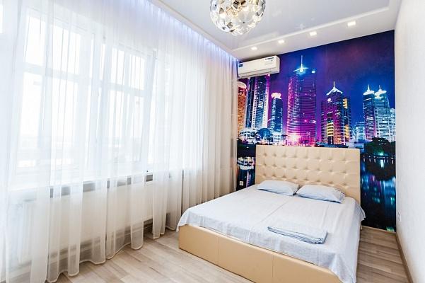 1-комнатная квартира посуточно в Запорожье. Орджоникидзевский район, ул. Волгоградская, 26-А. Фото 1