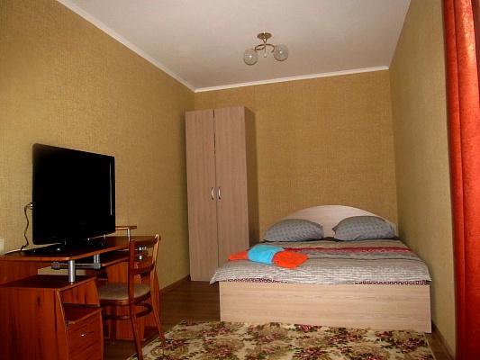 1-комнатная квартира посуточно в Кировограде. Ленинский район, ул. Гоголя, 90. Фото 1