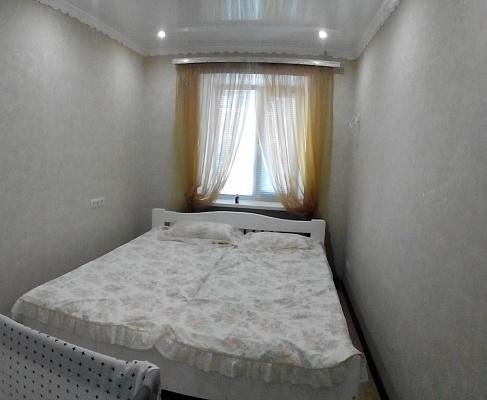 3-комнатная квартира посуточно в Бердянске. пр-т Азовский, 8. Фото 1