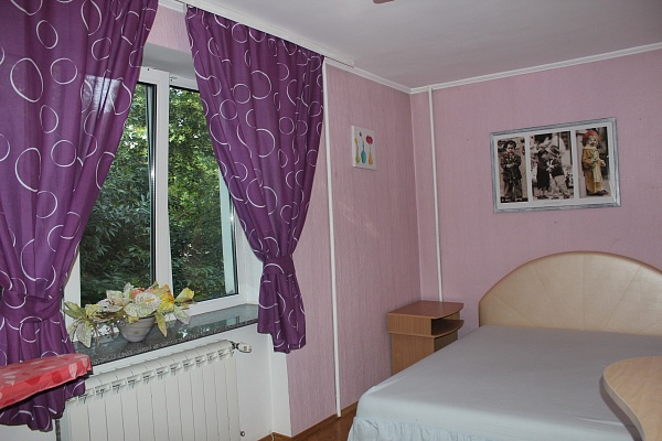 2-комнатная квартира посуточно в Ровно. ул. Княгини Ольги, 7. Фото 1