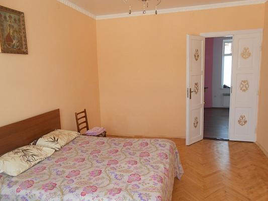 1-комнатная квартира посуточно в Львове. ул. Замарстиновская, 14. Фото 1