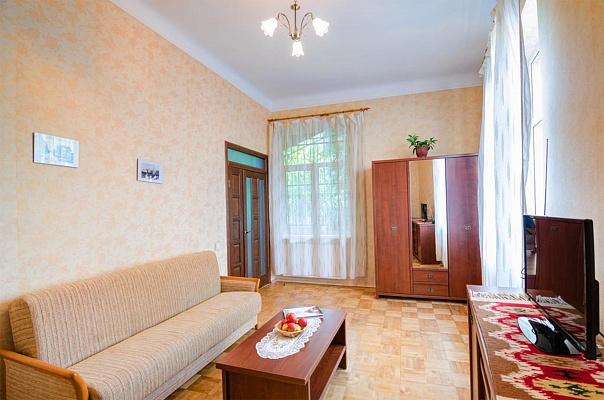 2-комнатная квартира посуточно в Львове. Галицкий район, ул. Лепкого, 14. Фото 1