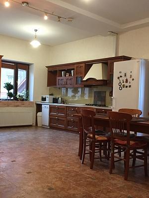 3-комнатная квартира посуточно в Одессе. Приморский район, ул. Уютная, 8. Фото 1