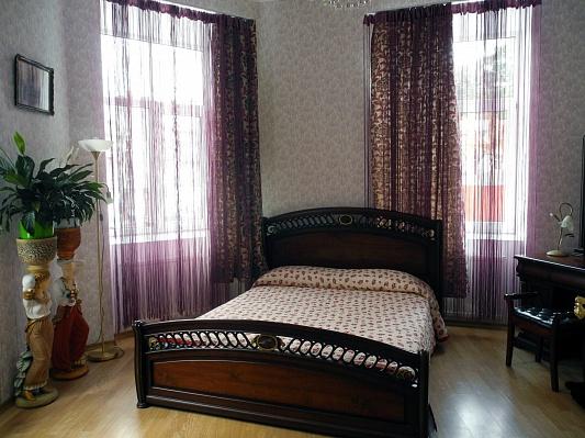 2-комнатная квартира посуточно в Львове. Галицкий район, ул. Стрийская, 1. Фото 1