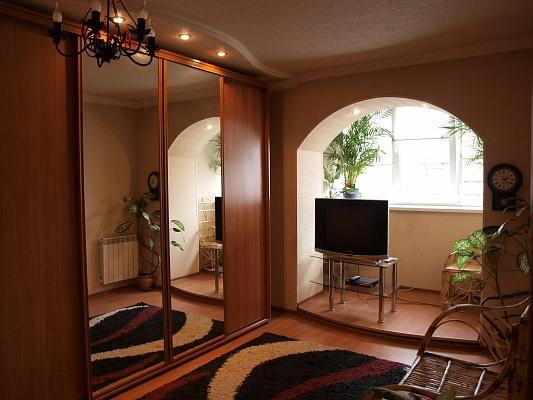 1-комнатная квартира посуточно в Белой Церкви. ул. Вокзальная, 3. Фото 1