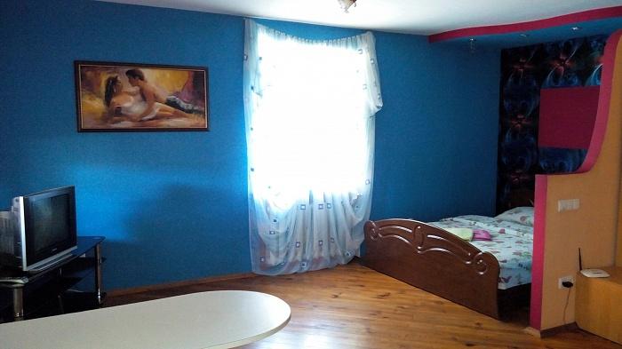 1-комнатная квартира посуточно в Ровно. ул. Сагайдачного, 2. Фото 1