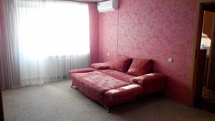 1-комнатная квартира посуточно в Полтаве. Ленинский район, ул. Александра Бедного, 3. Фото 1