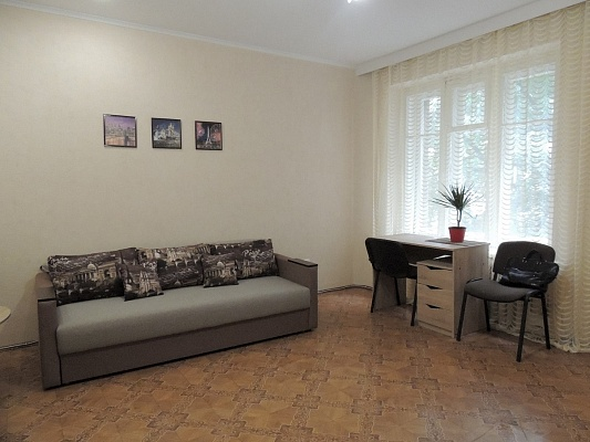 2-комнатная квартира посуточно в Харькове. Киевский район, ул. Пушкинская, 67. Фото 1