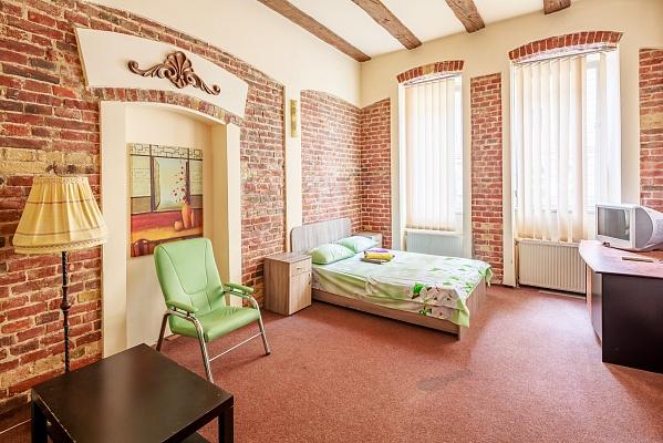 3-комнатная квартира посуточно в Львове. Галицкий район, ул. Лысенко, 4. Фото 1