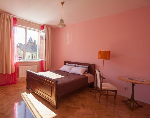 2-комнатная квартира посуточно в Львове. Зализнычный район, пл. Князя Святослава, 5. Фото 1