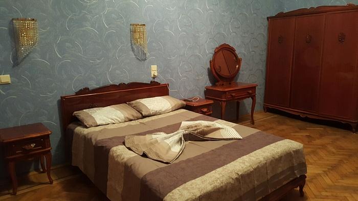 2-комнатная квартира посуточно в Харькове. Киевский район, ул. Пушкинская, 3. Фото 1
