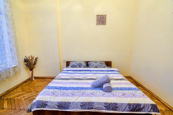 2-комнатная квартира посуточно в Львове. Галицкий район, ул. Городоцкая, 16. Фото 1
