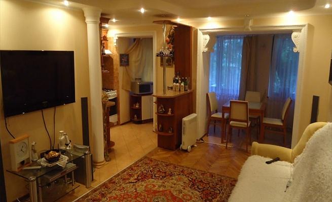2-комнатная квартира посуточно в Львове. Шевченковский район, ул. Сосенко, 28. Фото 1