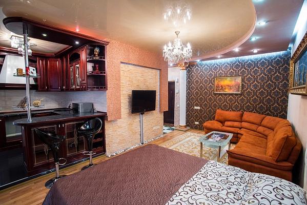 1-комнатная квартира посуточно в Днепропетровске. Кировский район, ул. Старокозацкая (Комсомольская), 74-В. Фото 1
