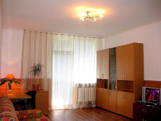 1-комнатная квартира посуточно в Киеве. Голосеевский район, ул. Саперно-Слободская, 22. Фото 1