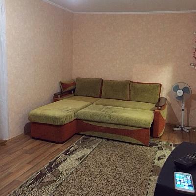 1-комнатная квартира посуточно в Кривом Роге. Саксаганский район, ул. Софии Перовской, 8. Фото 1