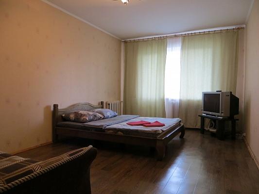 1-комнатная квартира посуточно в Киеве. Оболонский район, пр-т Оболонский, 21. Фото 1