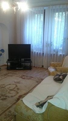 2-комнатная квартира посуточно в Одессе. Малиновский район, ул. Мечникова, 92. Фото 1