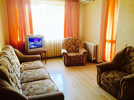 2-комнатная квартира посуточно в Черкассах. ул. Гоголя, 288. Фото 1