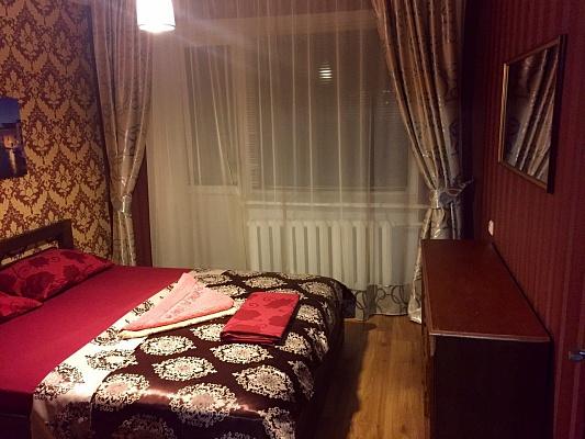 3-комнатная квартира посуточно в Ровно. ул. Степана Бандеры, 63. Фото 1