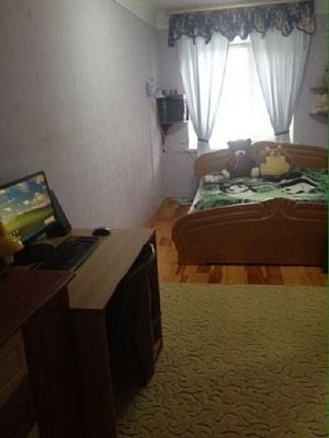 2-комнатная квартира посуточно в Василькове. ул. Юрия Гагарина, 14. Фото 1