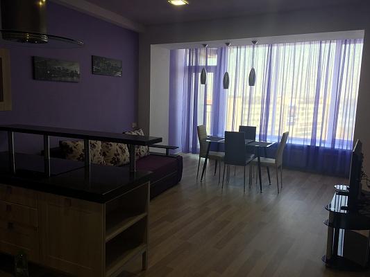 3-комнатная квартира посуточно в Днепропетровске. ул. Глинки, 2. Фото 1