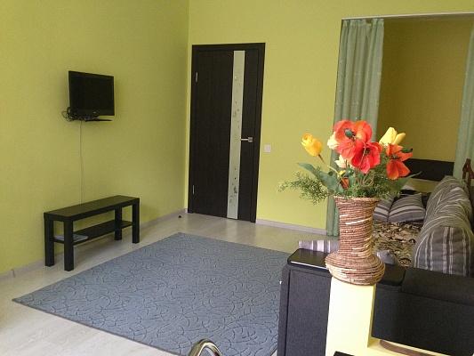 1-комнатная квартира посуточно в Львове. Железнодорожный район, ул. Братьев Михновских, 32б. Фото 1