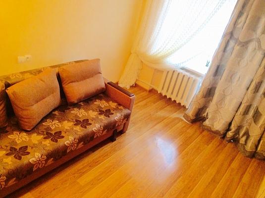 1-комнатная квартира посуточно в Львове. Шевченковский район, ул. Клепаривская, 25. Фото 1