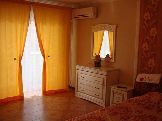1-комнатная квартира посуточно в Кременчуге. ул. Гагарина, 28. Фото 1